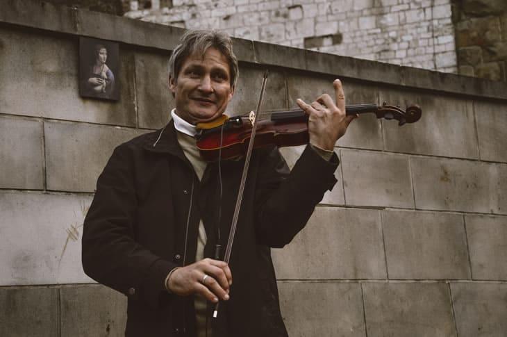 playing-violin