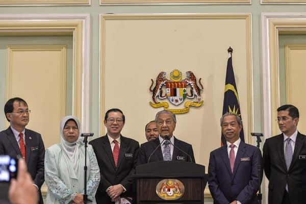 Economists: Cabinet should make collective decision on sale of national assets