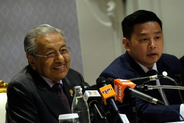 TUN DR MAHAHTHIR MOHAMAD