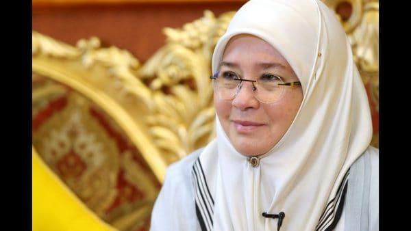 Tunku Azizah syor pendidikan wajib sehingga Tingkatan Lima