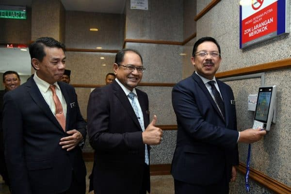 Mohd Zuki reports for duty as new chief secretary to government
