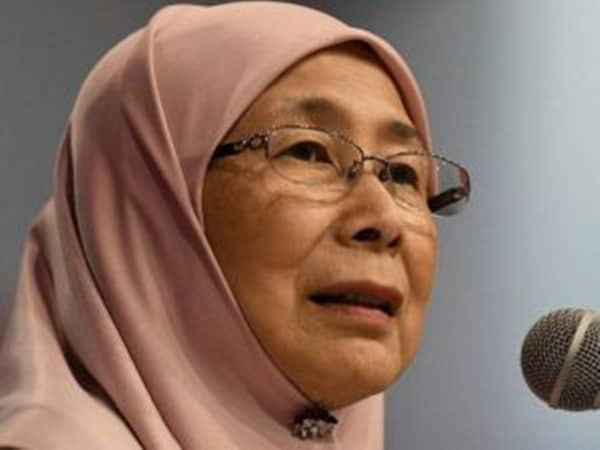Tell world country safe to visit, DPM tells Malaysians